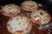 EnglishMuffinPizza